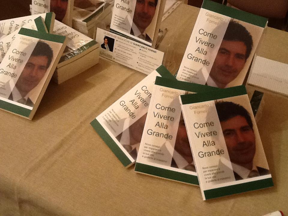 I libri di Giancarlo Fornei, disposti sul tavolo del Grand Hotel Baglioni - Firenze - 11 ottobre 2013