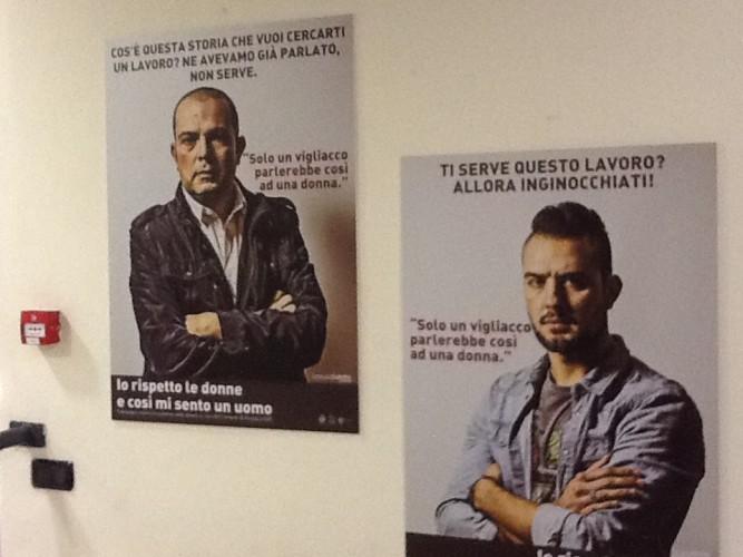 """Ameglia (Sp), palazzo comunale, mostra fotografica: """"Io rispetto le donne, così mi sento un uomo""""..."""