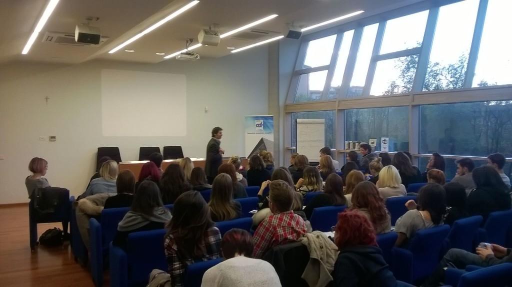 Bergamo 30 novembre 2015 - il coach motivazionale Giancarlo Fornei ospite dell'Accademia Nazionale Acconciature Miste di Bergamo