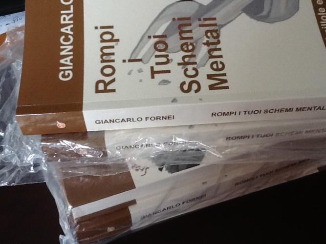 """Prenota ora la tua copia di """"Rompi i Tuoi Schemi Mentali"""" con dedica personalizzata del coach motivazionale Giancarlo Fornei..."""