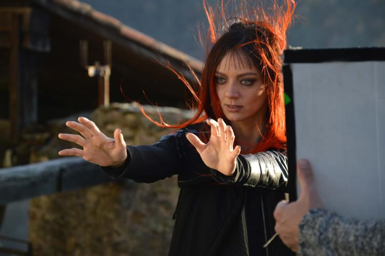 L'attrice e regista Diana Dell'Erba: «Paura del fallimento? Solo cadendo possiamo assaporare la meraviglia del rialzarci!»...
